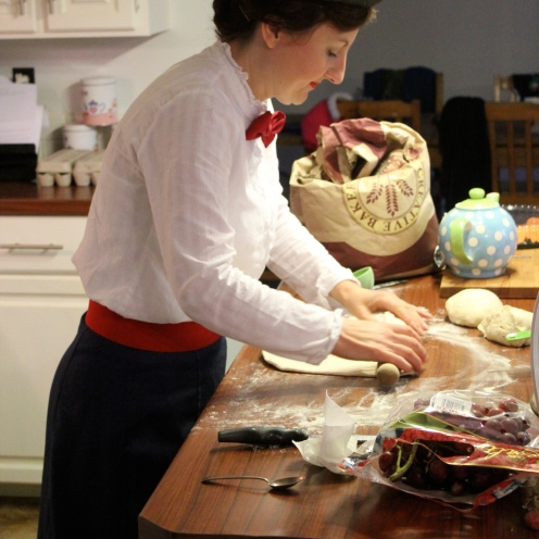 Mary Poppins making pizza